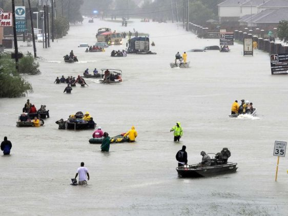 hurricane-harvey-houston-street-ap-ps-170828_4x3_992